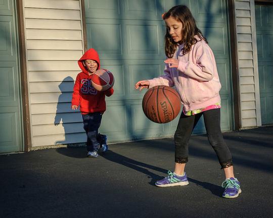 basketball-dribbling