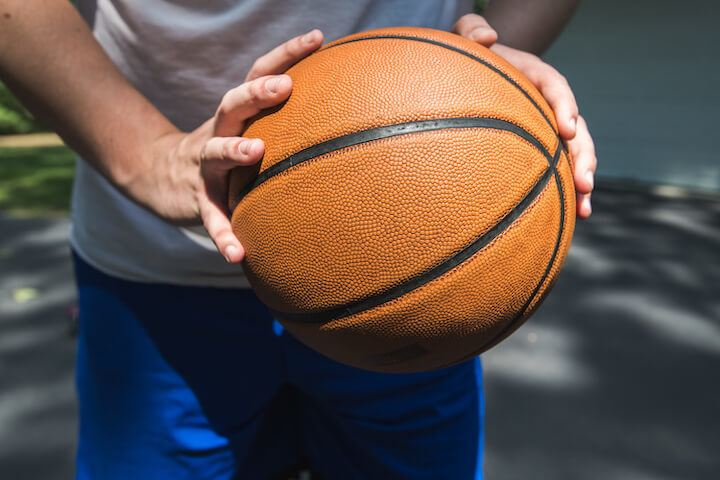 Player-holding-a-basketball